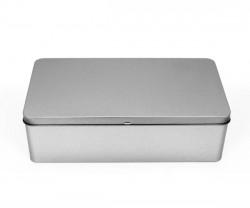 Boîte de métal L