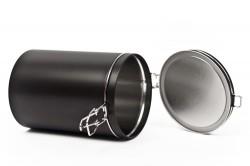 Boîte de métal noire