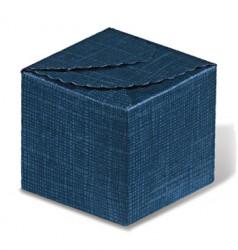 Boîte avec fermeture dans le couvercle